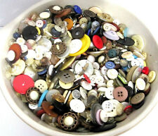 ESTATE LOT 1 VINTAGE BUTTONS METAL PLASTIC MANY COLORS & SIZES SOME QUITE OLD