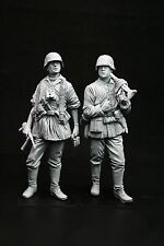 120mm 1/16 WWII German MG34 Team, sculpted by Maurice Corry