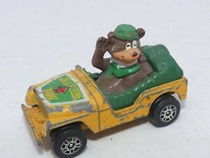 Vintage Corgi YOGI BEAR Diecast Toy JEEP Car 1981 JELLYSTONE PARK