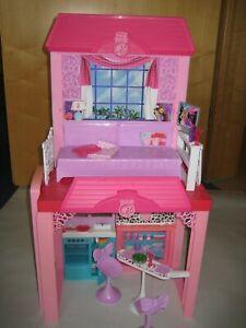 Barbie Design-Ferienhaus, komplett möbliert