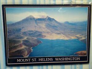 BEAUTFUL PHOTO POST CARD MOUNT ST.HELENS WASHINGTON.