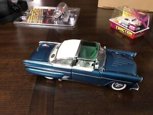 Danbury Mint 1955 Ford Crown Victoria Custom - 1:24 Scale