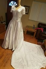 Forever Yours wedding dress white satin short sleeve b40 W34 L64