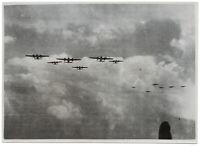 Geschwader am Himmel. Orig-Pressephoto, von 1940