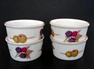 Royal Worcester Evesham Gold Porcelain 4 Ramekins 1 Bread & Butter Plate England