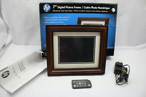 Very Nice Condition HP  7-Inch Digital Picture Frame (Brown) hp df730a2 W/Remote