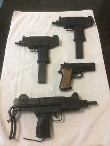 Vintage Lot Of 4 Larami Motorized UZI Water Squirt Machine Guns W/ Clips & Pstol