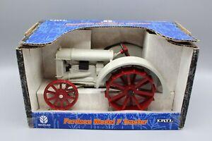 ERTL, Fordson Model F Tractor, 1/16 Die-Cast Metal, #13573, NIB, 2001