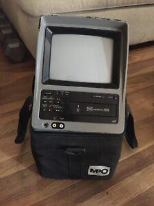 """MPO VideoTronics VHS-794 Portable Mobile 7"""" Color TV / VCR Combo + Carry Case"""