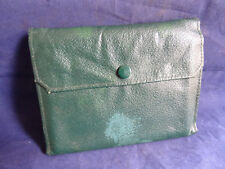 A VERY GOOD VINTAGE HARDY FLY/CAST FISHING WALLET WITH CASTS AND FLIES
