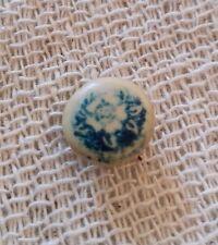 Bouton peint ou lithographié ancien, dessin de rose ou pivoine/ bleu. B168