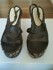 Designer Ladies Shoes By Kenneth Cole Size 6
