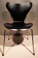 Fritz Hansen Arne Jacobsen Stuhl Serie 7 Modell 3107 schwarz