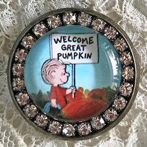 GREAT PUMPKIN Glass Rhinestone BROOCH Lapel Pin Vintage Peanuts Halloween Card