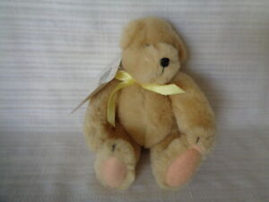 MUFFY VANDERBEAR  - 1982 SMALL BEAR WITH TAGS
