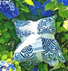 """THROW PILLOWS FILLED/STUFFED CORINTHIAN 2PC SET Indoor /Outdoor  18"""" Square"""