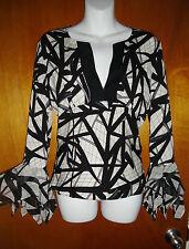Diane Von Furstenberg Women's Silk Top Geometric Blk &White SZ: 8 BUT RUNS SMALL