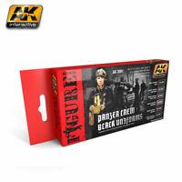 AK INTERACTIVE FIGURE SERIES PANZER CREW BLACK UNIFORMS COD.AK3001