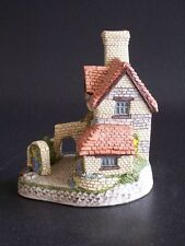 David Winter Cottages St. Anne'S Well 1990 original box & Coa