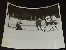1962-1963 MONTREAL CANADIENS vs DETROIT RED WINGS NHL MEDIA /PRESS ACTION PHOTO