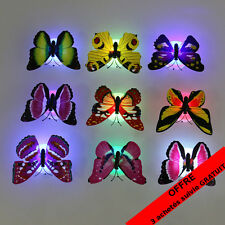 Papillon coloré, lumière clignotant pour nuit bébé ou décoration