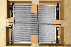 MERCEDES-BENZ ENGINE COOLING RADIATOR BEHR HELLA 376718571 / 1635000003