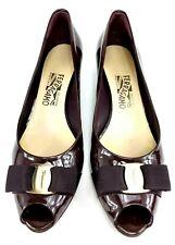 Salvatore Ferragamo Vara Bow Pump Peep Toe Merlot Size 9.5 Heels - DG018792
