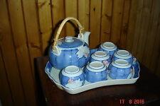 service à thé bleu asiatique avec plateau et théière en porcelaine