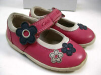 Baby girls infants CLARKS FIRST SHOES PUMPS size UK 5 F pink flowers