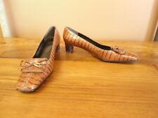 Women's Size 7N Stuart Weitzman Brown Alligator Print Shoes