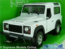 LAND ROVER DEFENDER MODEL CAR SWB 1:24 SCALE WHITE 4X4 WELLY LARGE K8