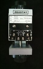Agastat Timing Relay 7032ABB 120V 60HZ 0.7 - 7 Seconds