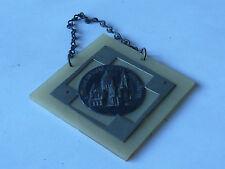 ancien Plaque BASILIQUE du SACRE COEUR MONTMARTRE image pieuse avec chainette