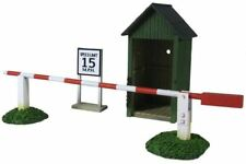 W. Britain - World War II Air Base Sentry Box & Gate 51019 Scenic Accessories