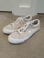 Converse All Star Chuck Taylor Size 6 White Suede Canvas Low Top Trainers