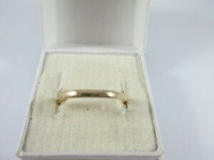 UNUSUAL VINTAGE 9ct GOLD OCTAGONAL BAND, LON. 1947, UK SIZE O1/2  1.3g  2mm WIDE