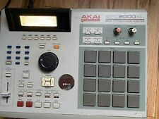 AKAI MPC 2000XL MIDI PRODUCTION CENTER Sampler Sequencer Drum Pad