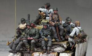 1/35 Resin WWII German 13 soldiers Tank Crew Unassembled Unpainted