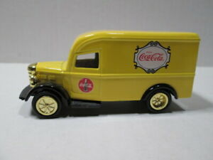 1930's  COCA~COLA DELIVERY TRUCK  LOOSE S SCALE DIE-CAST