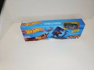 Mattel Hot Wheels Flip Ripper Play set With Blue Race Car FAST FREE SHIPPING!!!