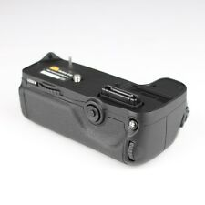 Pixel Vertax D11 Battery Grip for Nikon D7000 (Trays for EN-EL15 & AA)