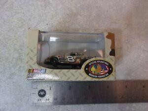 Dale Earnhardt Jr. 1:87 Stock Car Winners Circle 8