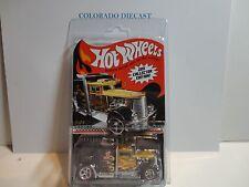 Hot Wheels 2011 Collectors Edition Convoy Custom Semi w/Real Riders