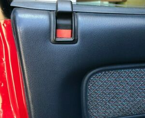 HOLDEN COMMODORE DOOR LOCKING BUTTON RETAINER ORANGE VN VP VQ VG GMH 92034435