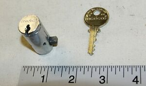 Medeco plug lock for T & L handles with 1 working key - Tested Good