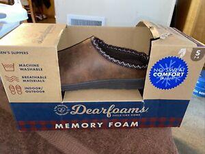 Dearfoams Mens Size Small 7-8 Memory Foam Chestnut Slippers