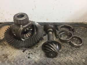 1991 Dodge W250 Dana 44 3.92 47 12 Front Differential Axle Carrier Ring Pinion