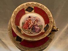Tasse sous-tasse en porcelaine à l'angelot et aux femmes à l'Antique