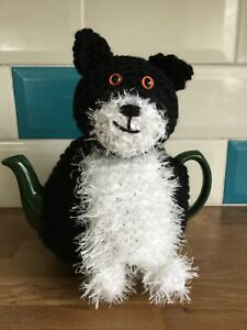 Claude the Cat Hand Knitted Tea Cosy / cosie