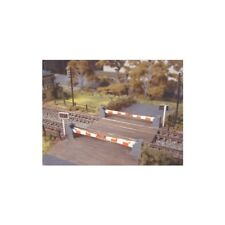 Level Crossing with Barriers - N gauge Ratio 235 Free Post F1